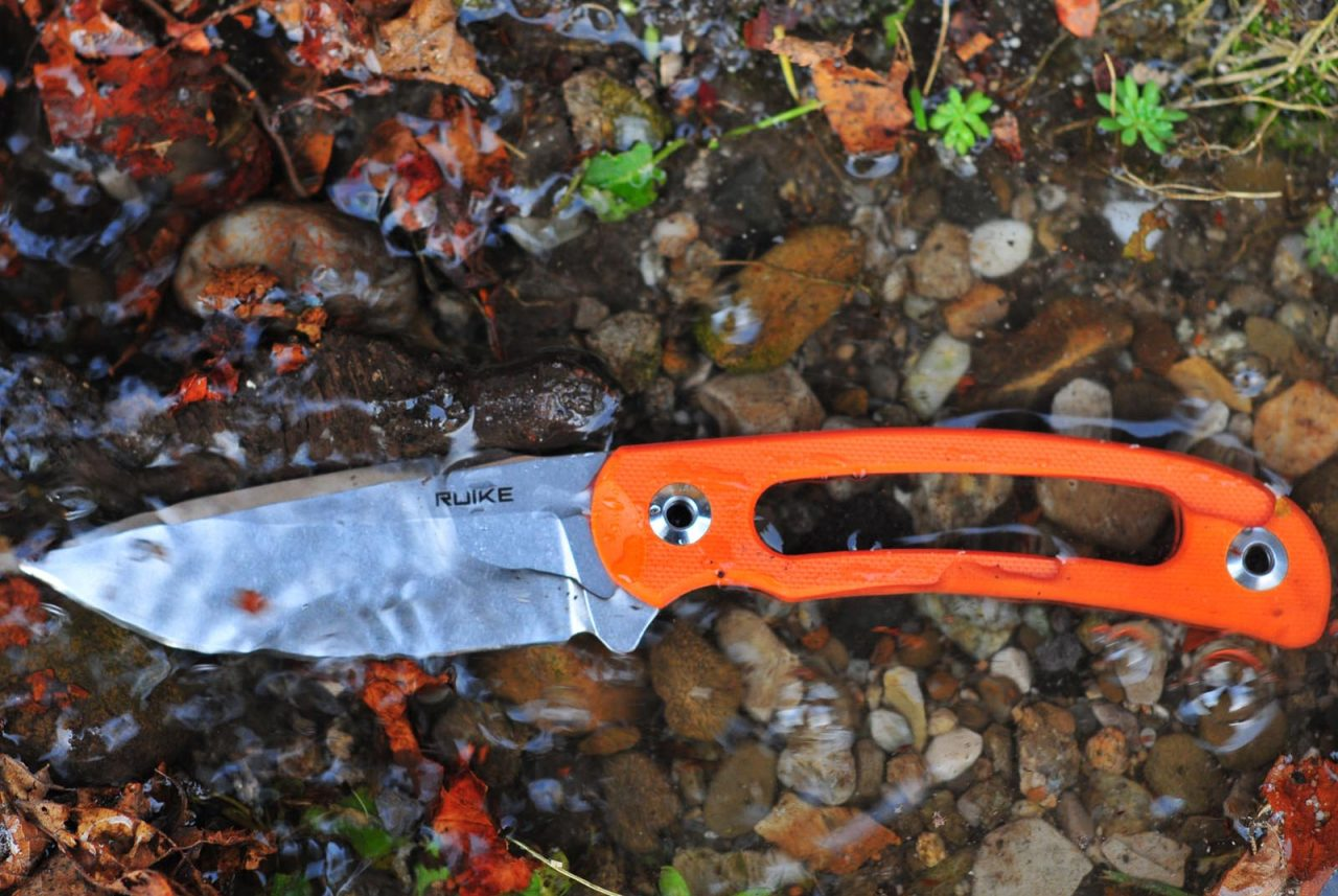 nôž Ruike Hornet F815