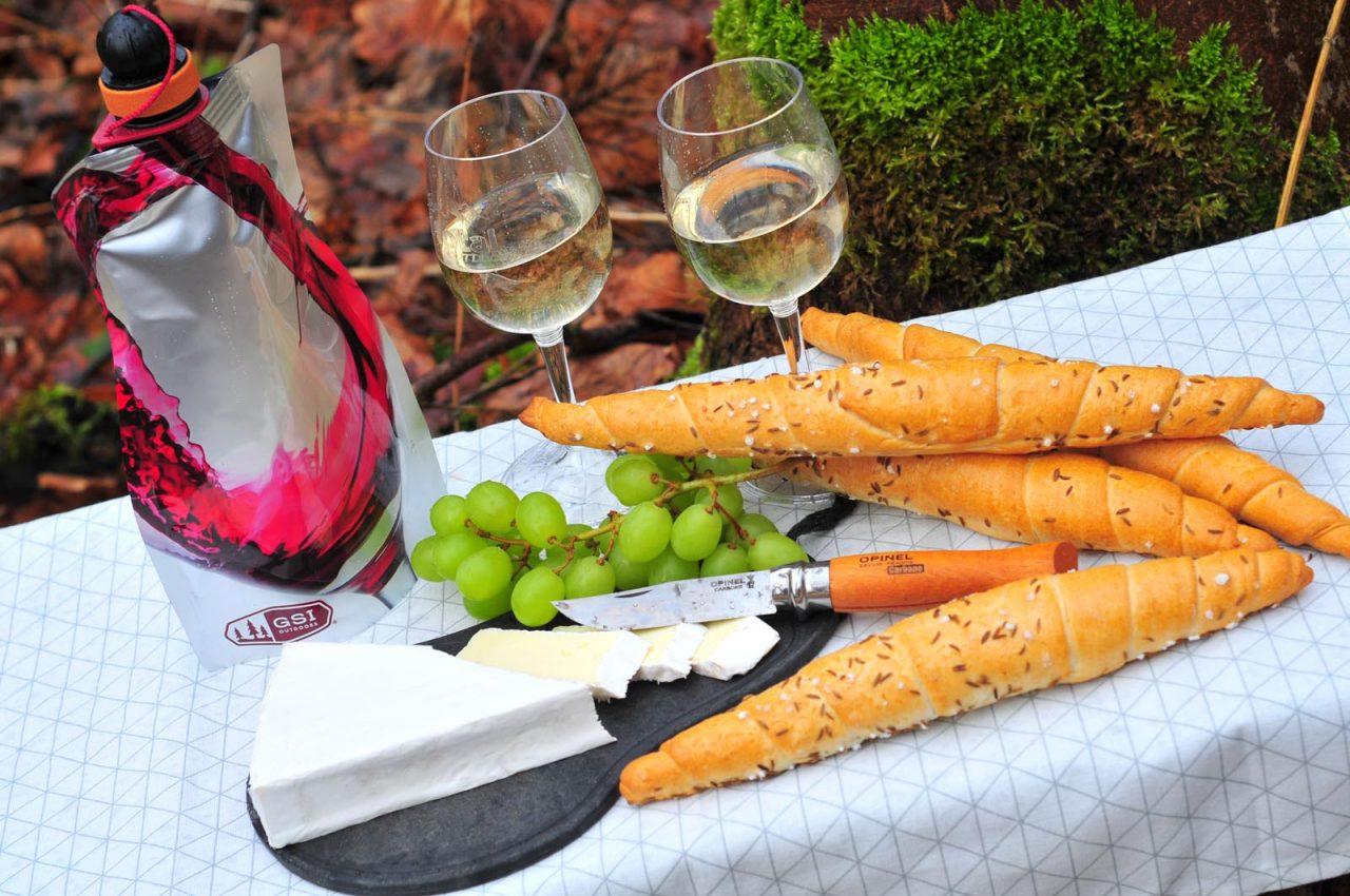 vínna karafa a skladacie poháre GSI Outdoors
