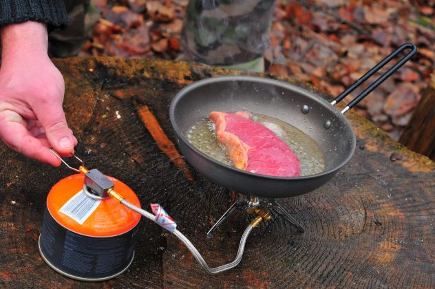 panvička GSI Outdoors Pinnacle 8 Frypan