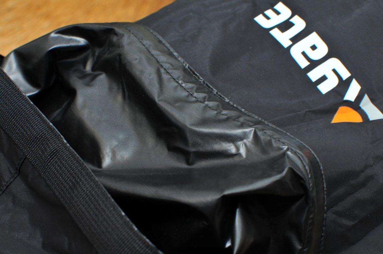 dry-bag Yate